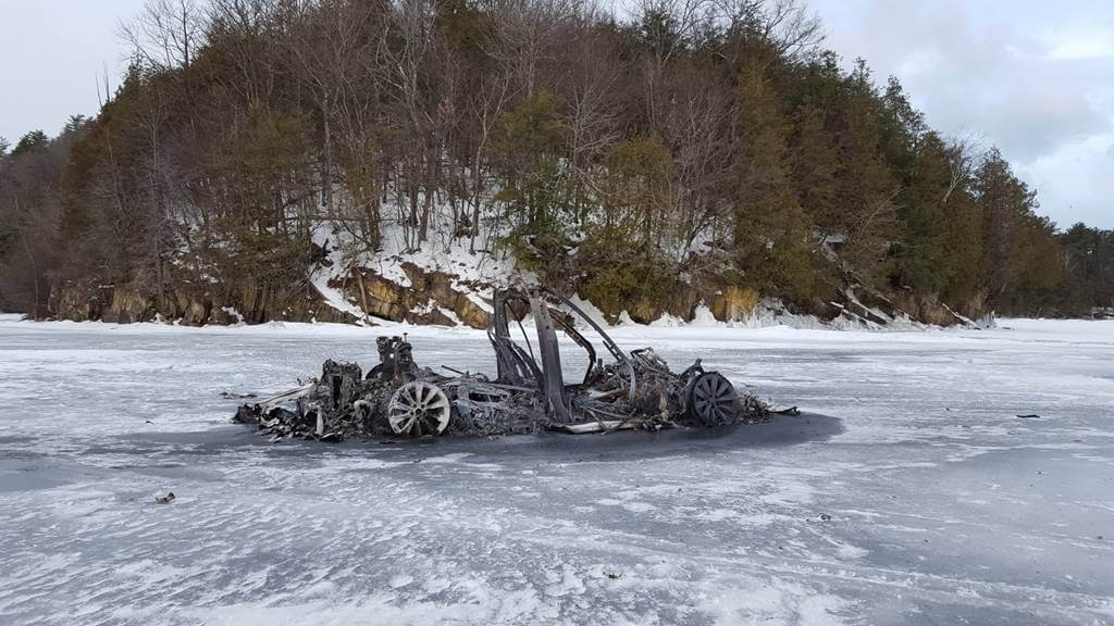 Solve the mystery of the calcined Tesla Model X in an icy lake in the United States