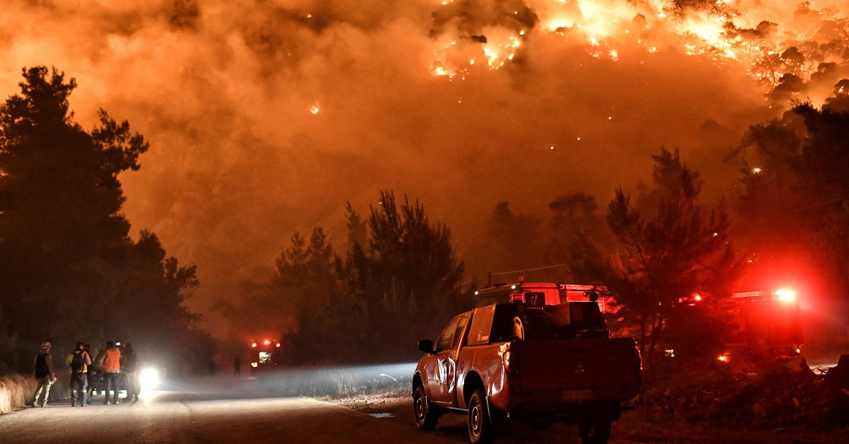 The devastating fires that broke out in Greece and Turkey are beginning to recede
