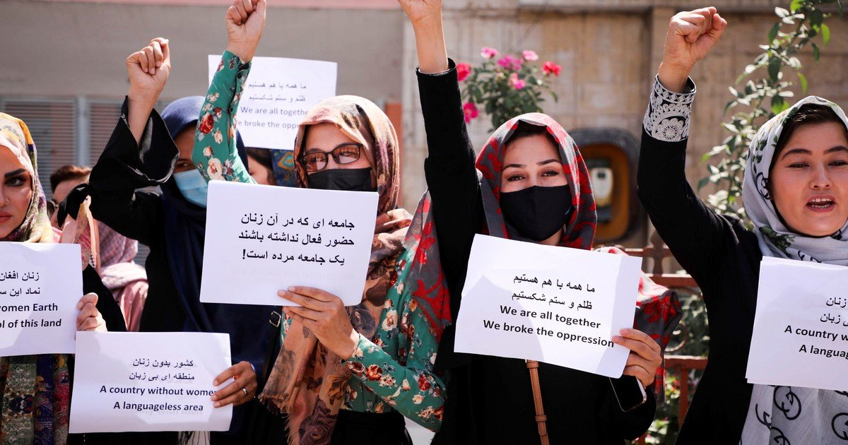 Women protested again in Kabul and the Taliban responded with gases and shots in the air