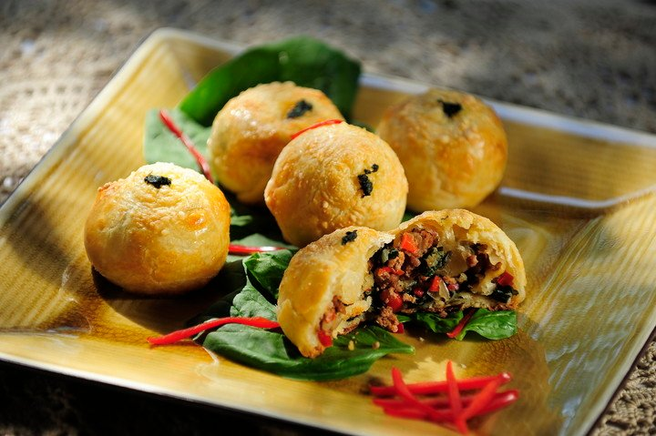Poyo recipe stuffed with minced meat and vegetables.  Photos: Robin DeGelio