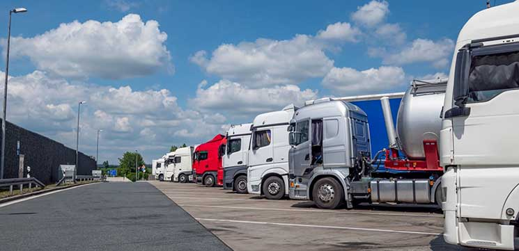 UK approves contingency plan to ease shortage of professional drivers