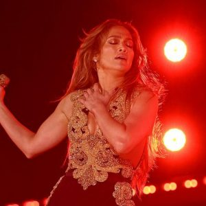 Jennifer Lopez: How does the song she plays for 'Marry Me' sparkle with the voices of Maluma |  Global Citizen 2021 |  Bennifer |  Instagram |  United States |  nda |  nnni |  Offers