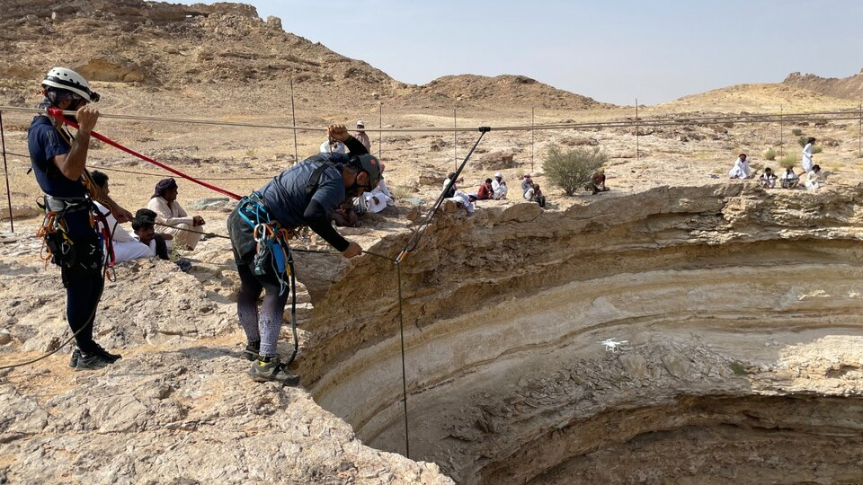 """Yemen: A group of researchers descended into the """"pit of hell"""" 
