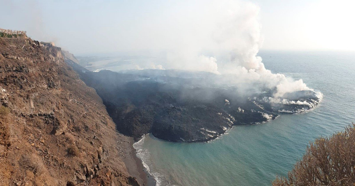The lava opens two new paths and threatens another area of the island