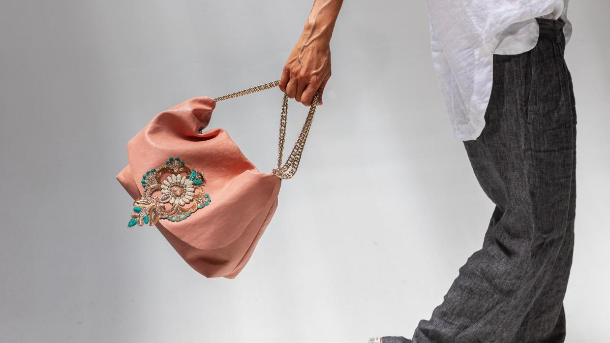 Anna Rovera bags, from family heritage to working with passion
