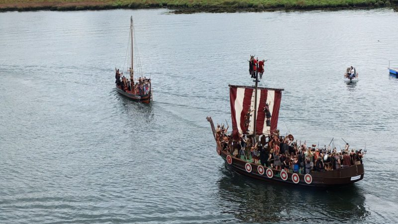 Identify the flag when the Vikings came to America