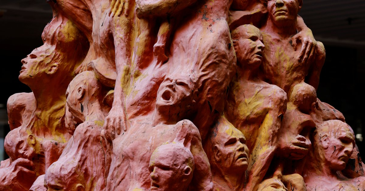 The Chinese regime ordered the removal of artwork from a university commemorating the Tiananmen victims