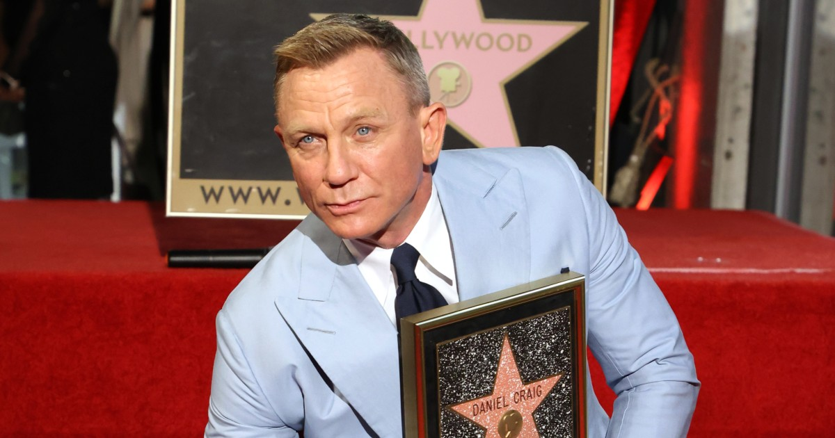 With a star on the Walk of Fame, Daniel Craig says goodbye to James Bond